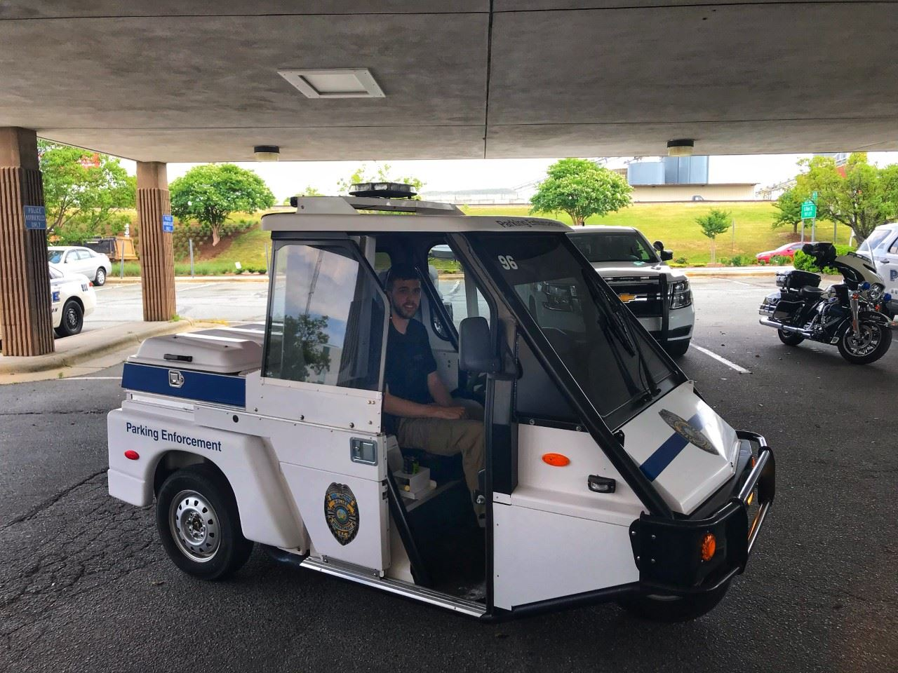 parking monitor vehicle
