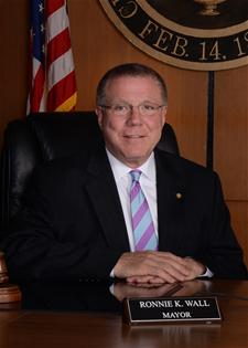 Mayor Ronnie Wall